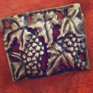 Jewelry - Sterling Silver Grapes & Vine pin